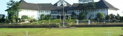 Presentasi Indonesia Mengglobal di Universitas Diponegoro