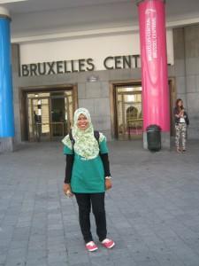Nova Resfita di depan stasiun Bruxelles Central