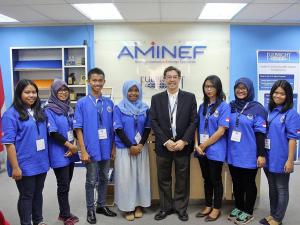 Direktur AMINEF, Bapak Alan Feinstein, bersama saya dan keenam penerima Beasiswa Global UGRAD 2015-16 di AMINEF Office, Jakarta Pusat