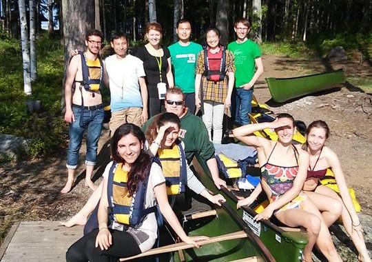 Kegiatan canoeing bersama teman-teman di Finlandia musim semi lalu