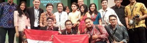 Andreas dan Delegasi Indonesia lainnya yang mengikuti Harvard Project for Asian and International Relations 2015 di Manila