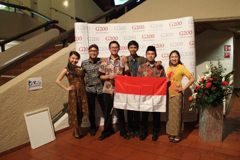 Andreas bersama delegasi Indonesia yang mengikuti G200 youth forum yang di adakan di Jerman,
