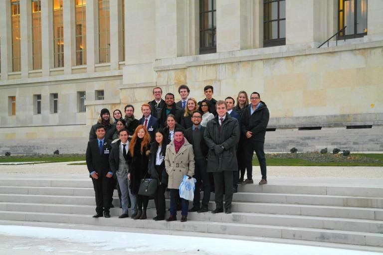 Andreas dan Mahasiswa dari seluruh dunia yang mengikuti program magang di Kantor PBB, Geneva