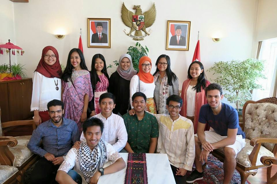 Indonesian students along with exchange students from Malta and Brazil celebrating Eid in Wisma Indonesia Ankara