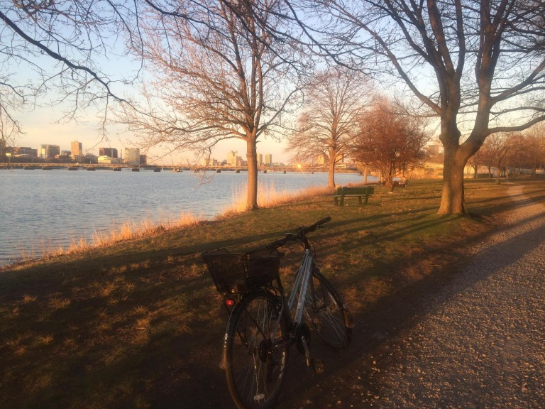 A quick break by biking along Charles River