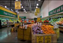Berbelanja bahan-bahan makanan sehari-hari di supermarket ritel, PAK'nSAVE