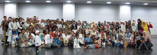 Keluarga Indonesia di Kyoto setelah Shalat Ied