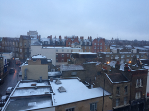 Snowy Bethnal Green area, in which many Bangladeshi and Pakistani reside, taken from the author's bedroom. (Photo by Rizky Danurwindo)