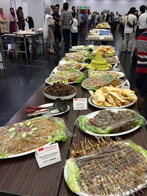 Makanan Indonesia di acara iftar akbar KMA