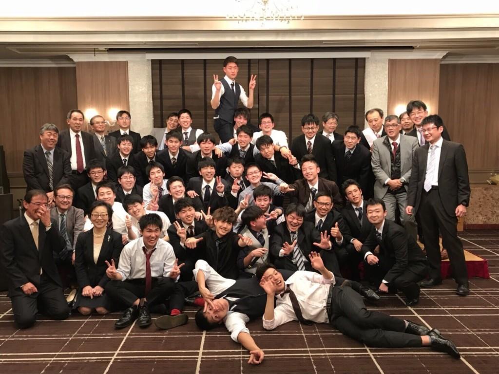 Foto pesta setelah wisuda bersama teman-teman D3 Toyama Kosen