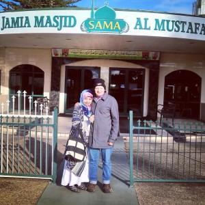Nurul dan suami setelah mengikuti kelas haji ke-4