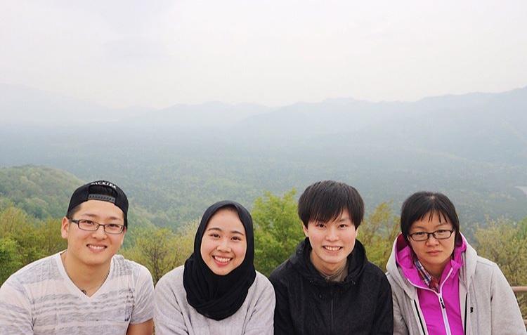Bersama teman lab saat hiking