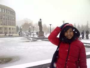 Pertama kali saya merasakan hujan salju di kampus