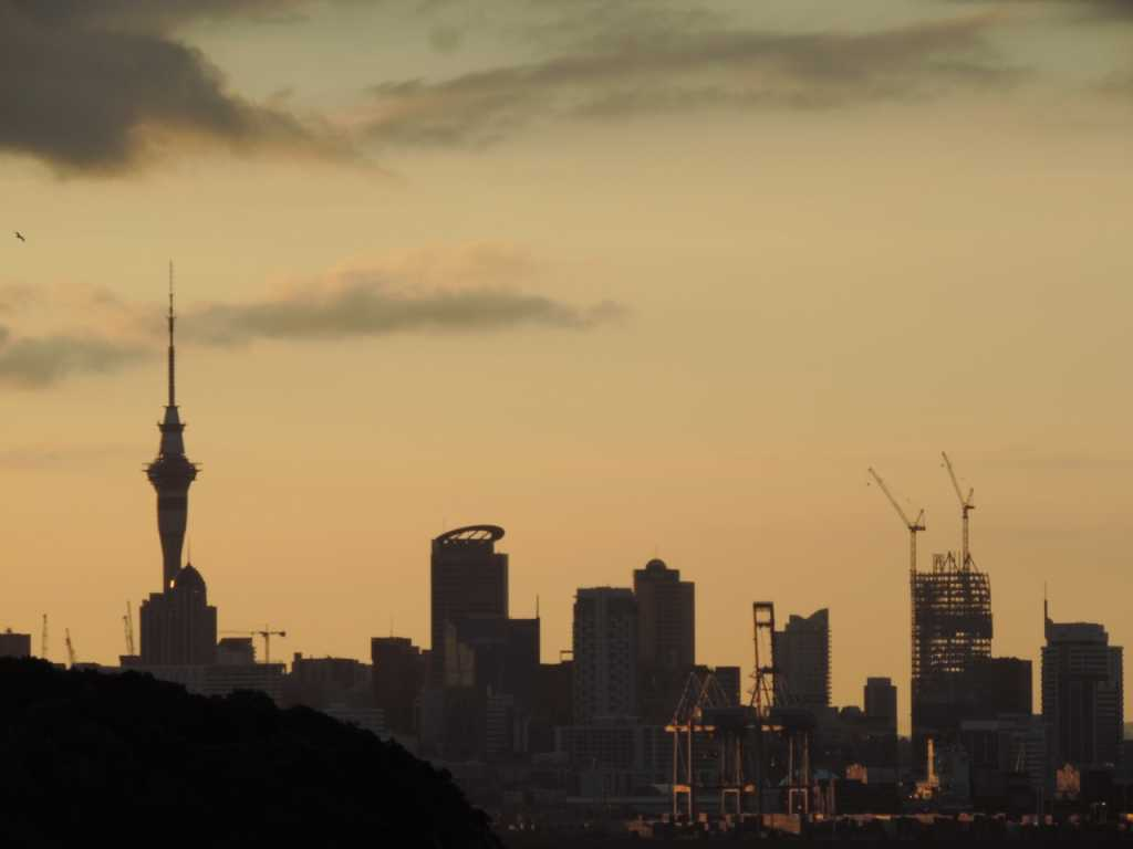 View Sunset dari Michael Joseph Savage Memorial - Auckland