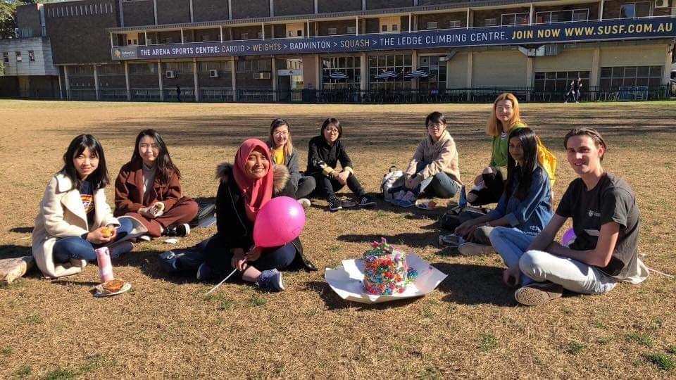 Bersama Para Mahasiswa Internasional Baru yang Saya Pandu Saat Orientation Day