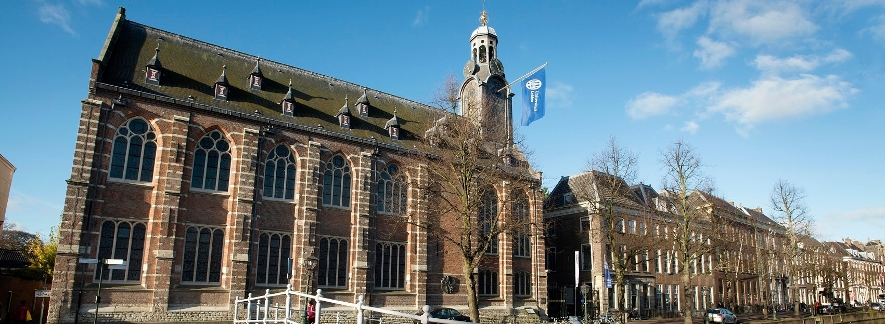 Leiden University Academic Building. Foto dari universiteitleiden.nl