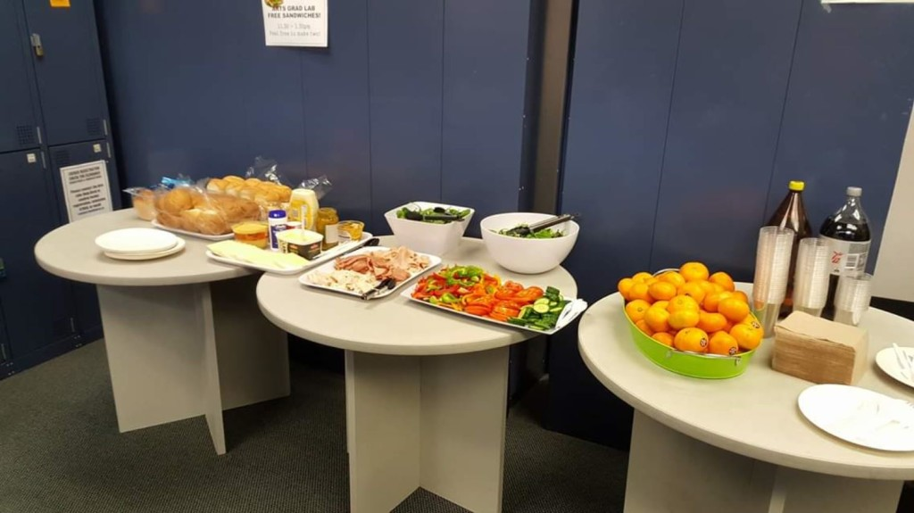 Free foods and beverages at The University of Auckland's Graduate lab (Faculty of Arts). Students' money saver!