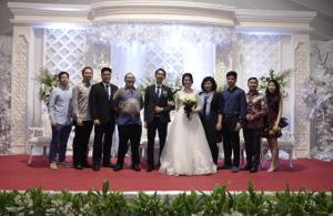 Foto pernikahan saya pada tanggal 22 Desember 2018. Ini adalah foto bersama dengan rekan-rekan yang juga sangat memikirkan perkembangan Indonesia