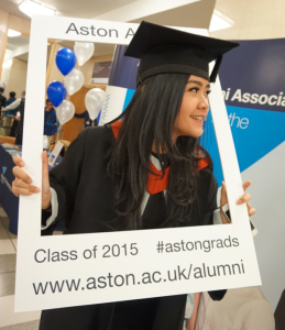 Foto kelulusan Aston University. Foto oleh penulis.