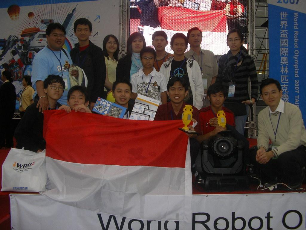 Ajie at World Robot Olympiad 2007