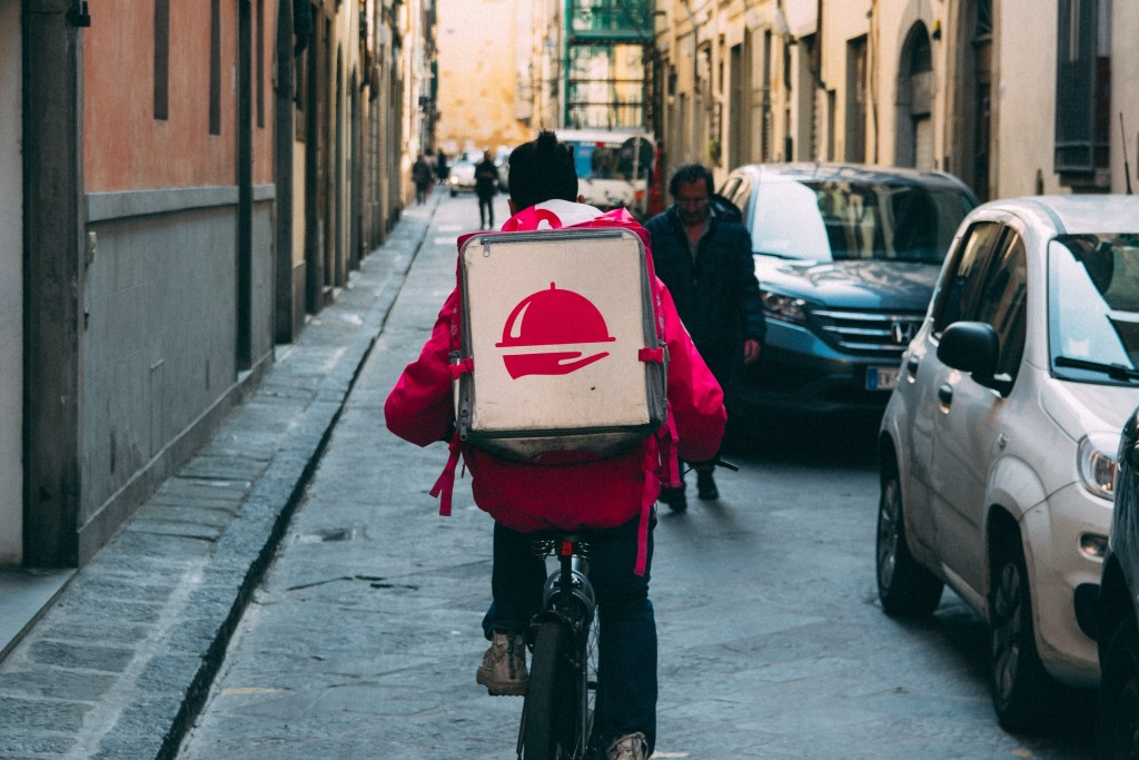 Food delivery - free image from unsplash