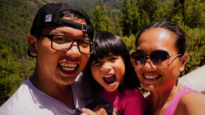 Listra Lubis and her husband, Sulis, and their daughter, Pembayun.