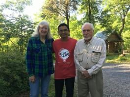 Wahyu bersama Arleen dan Ed
