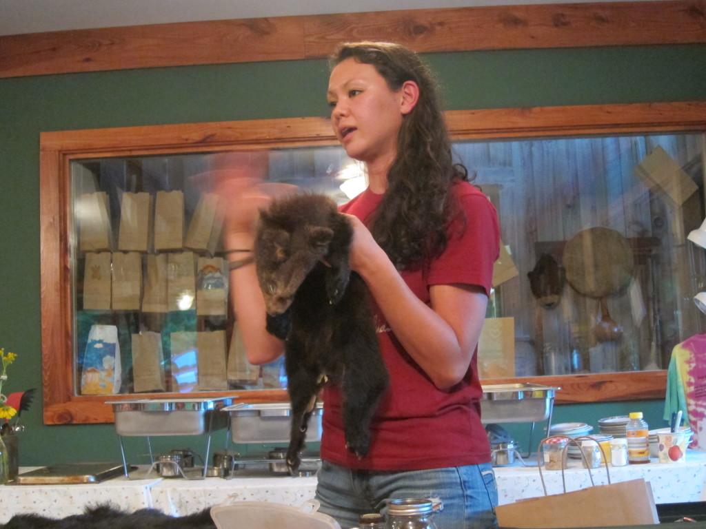Jessica dan kulit anak beruang hitam