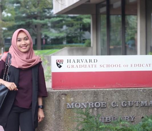 Indah by the Harvard Graduate School of Education sign
