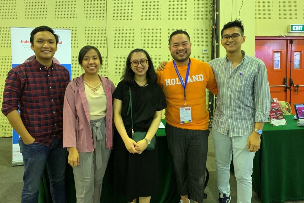 Bersama teman-teman pengurus Indonesia Mengglobal