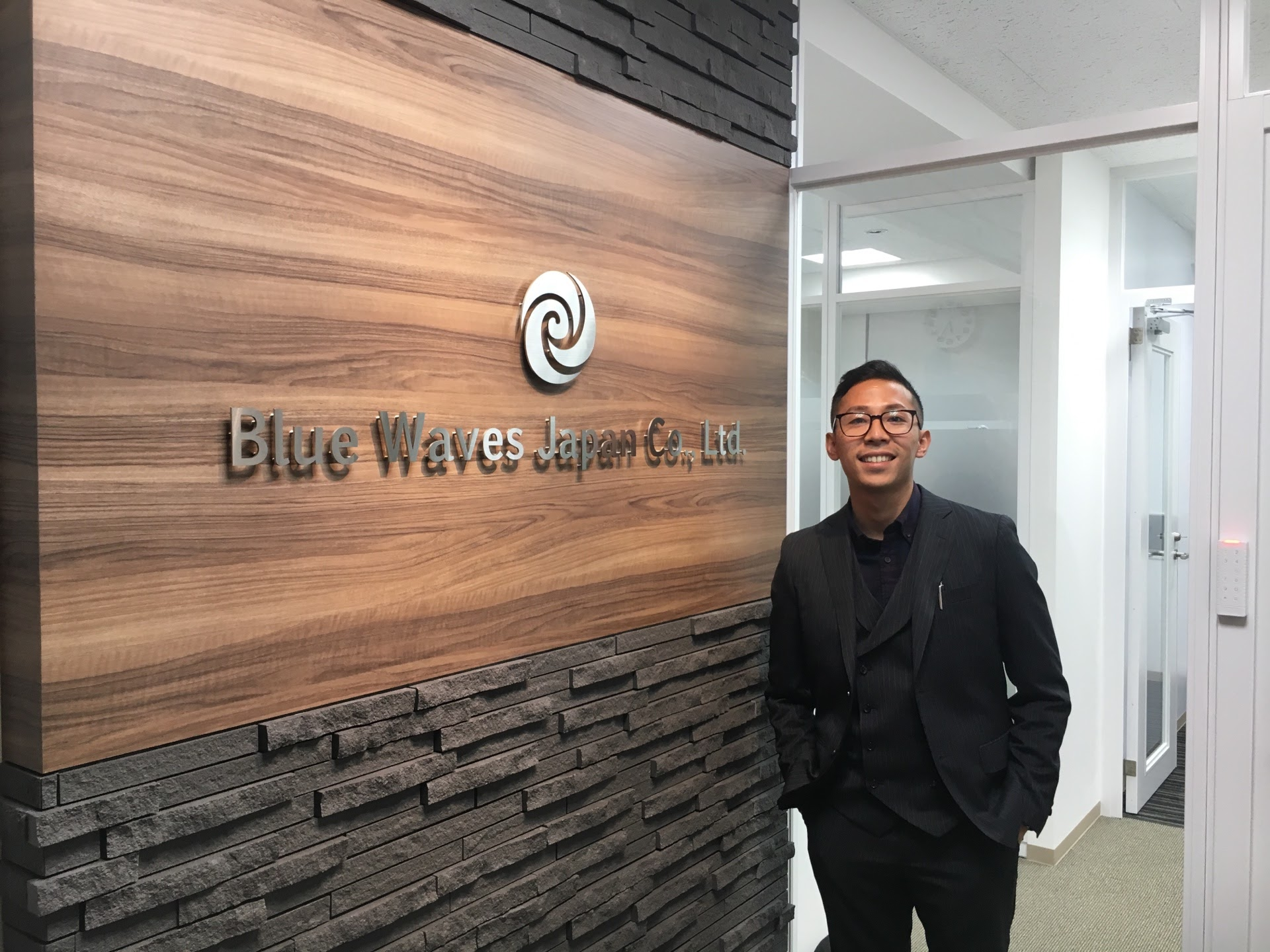 Blue Waves Japan Office[6944]