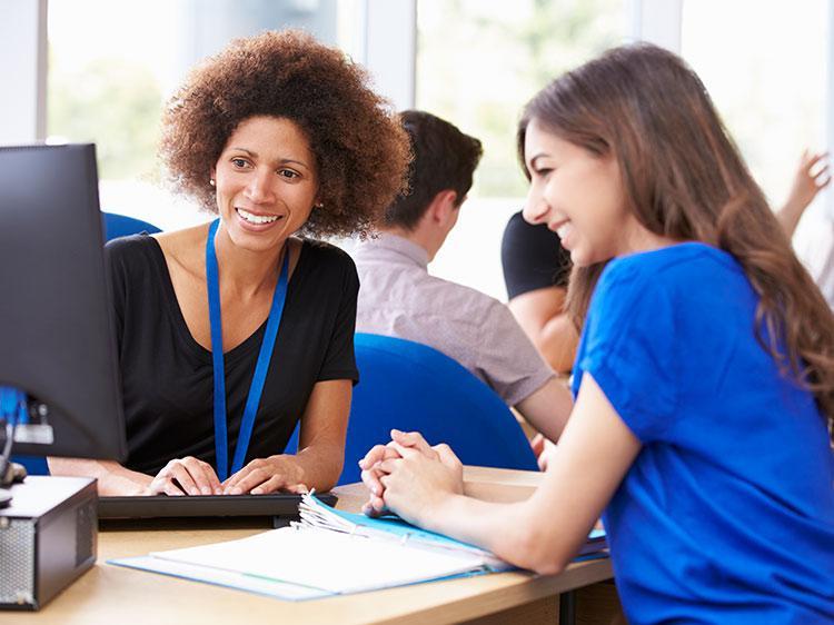 Membuat resume dan mengikuti simulasi interview akan sangat membantu Anda untuk mempersiapkan skill dan mental Anda. (sumber : monster.com)