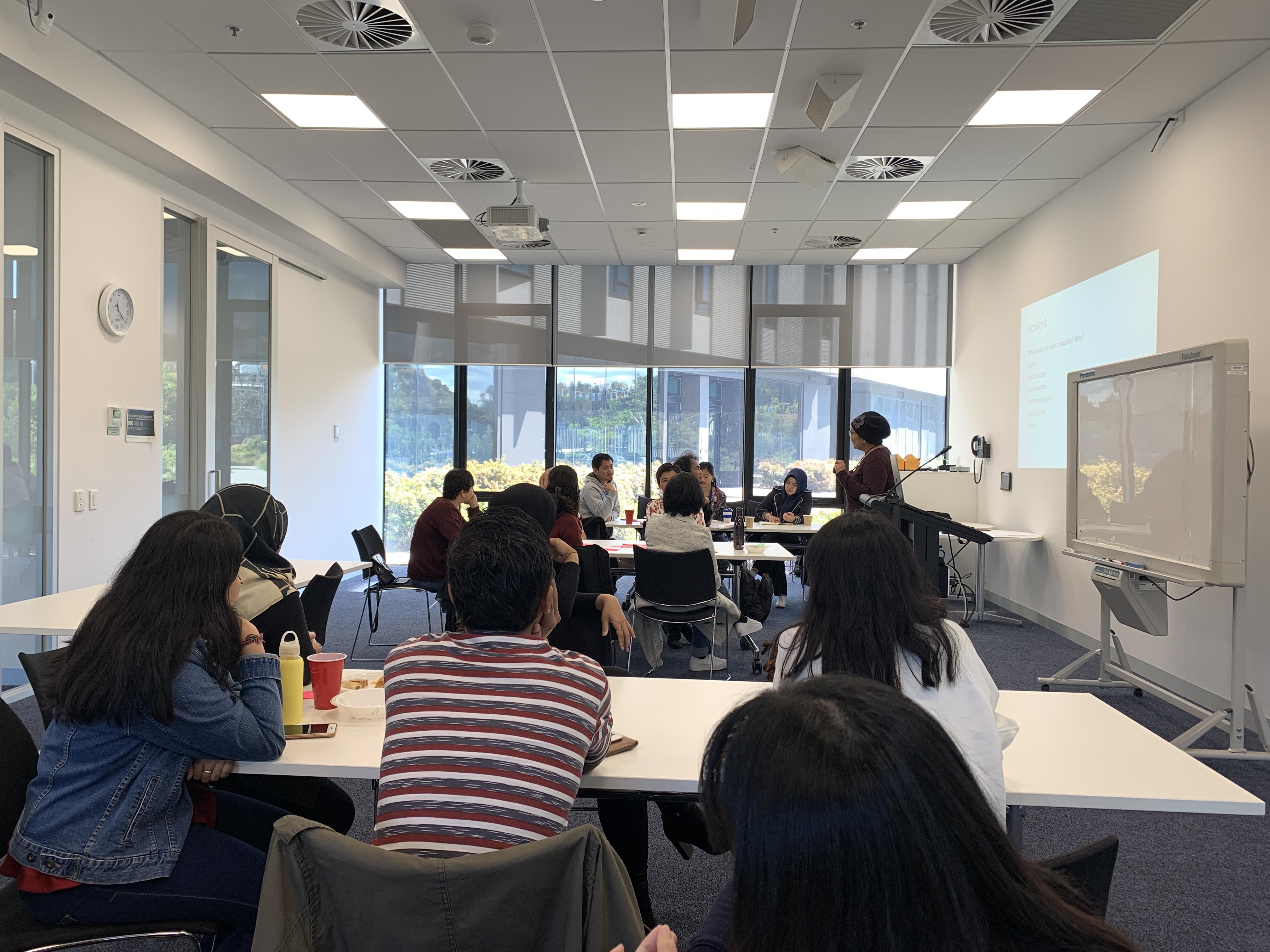 Diskusi di kelas
