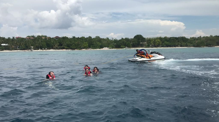 Figure 5. A wee trip to Palawan, my friends fell from a banana boat while I took picture from a water ski. Photo by author.