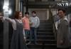 Adegan saat sang ayah Cha Min-hyuk (Kim Byung-chul) diusir sang istri No Seung-hye (Yoon Se-ah) karena perbedaan cara mendidik kedua anak kembarnya. Konflik di keluarga Cha hanya satu dari lima kisah keluarga yang jadi lingkaran utama cerita di drama SKY Castle.