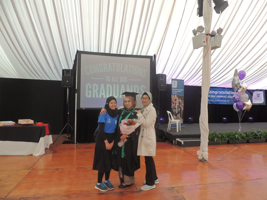 Meeting Indonesian flatmates in graduation