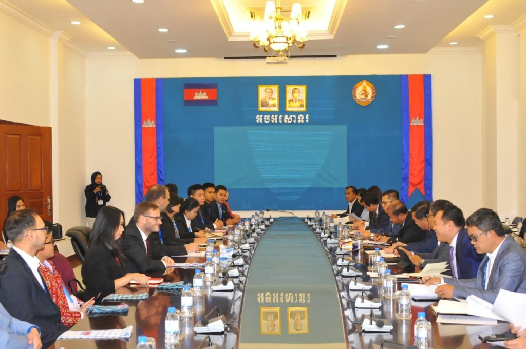 Dialogue with Cambodian People's Party, the ruling party of Cambodia (Source: Cambodian People's Party documentation).