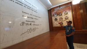 Jeannette Zes visited Satria Mandala Museum in Jakarta, Indonesia
