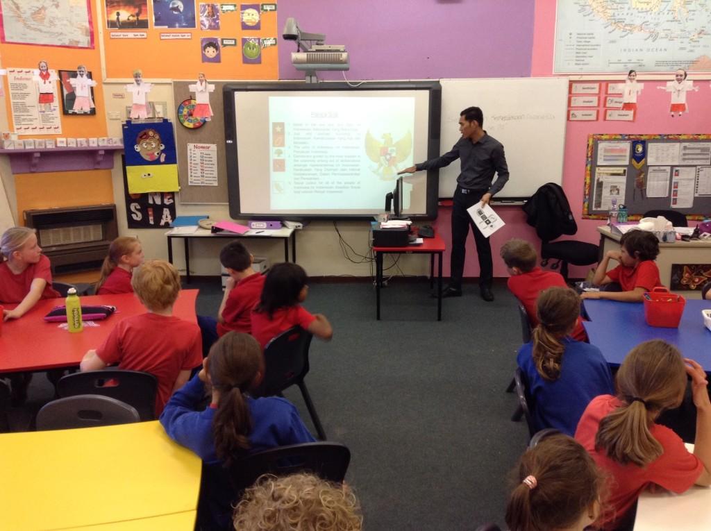 Zacky sedang mengajar di salah satu sekolah dasar di Australia Barat. Source: Personal documentation