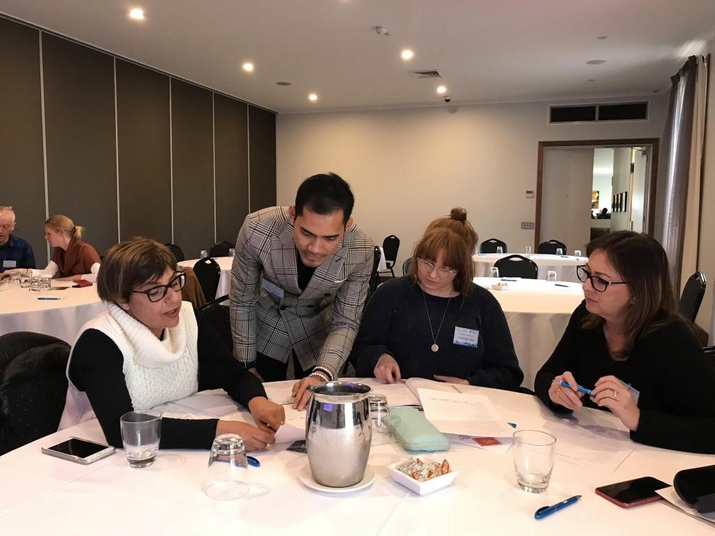 Zacky sedang memberikan kursus immersion kepada guru bahasa Indonesia di Victoria. Source: Personal documentation