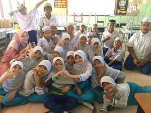 Students of the Sangkhom Islam Wittaya School.