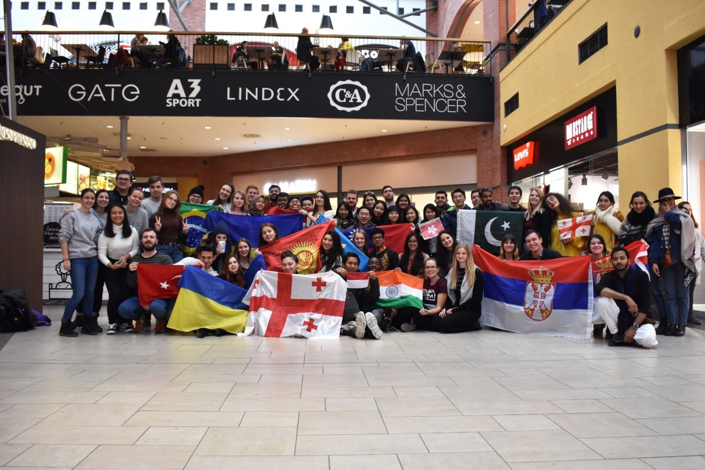 Hari terakhir Global Village di Olympia Mall, Pilsen pada Minggu, 26 Januari 2020 (Foto diambil oleh seorang AIESECer in Pilsen)