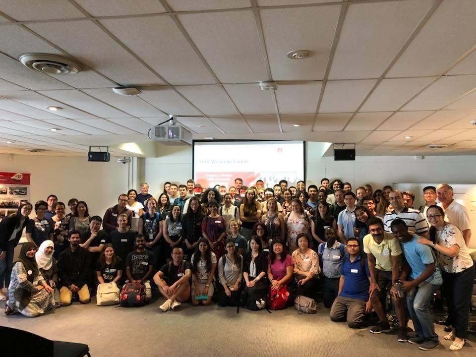 Sandy bersama komunitas HDR Mentors di Macquarie University, Australia. Sumber: Dokumentasi Pribadi