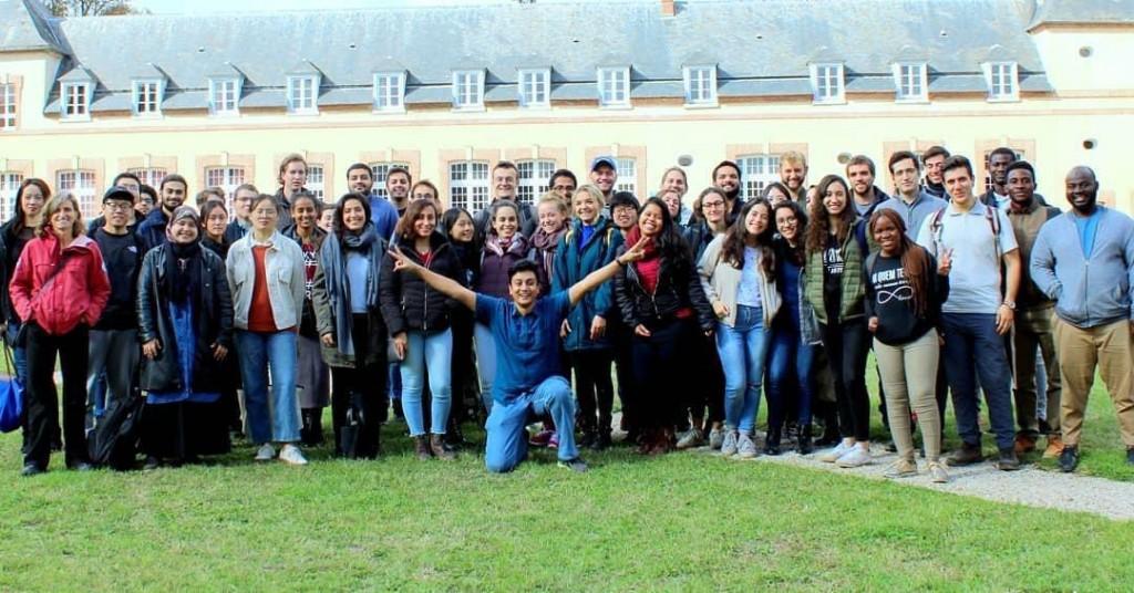 Bema bersama kolega kampus École Polytechnique Sumber: Dokumentasi pribadi