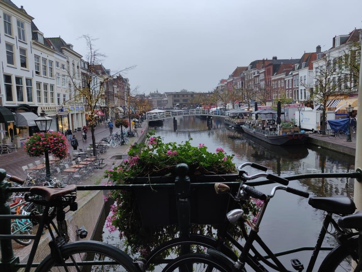 Suasana di Leiden, Belanda