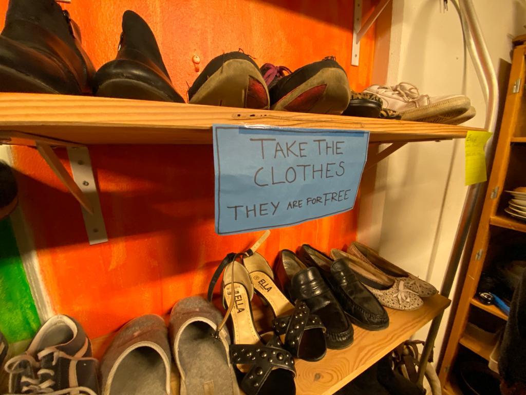 Sepatu gratis! (Sumber: koleksi pribadi penulis)