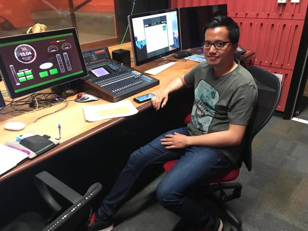 On duty at Sydney Educational Radio 2SER 107.3. Source: Personal documentation