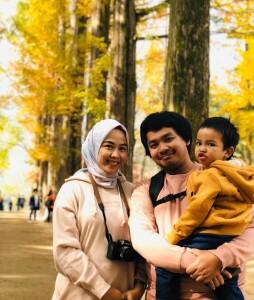 Foto keluarga di Pulau Nami.