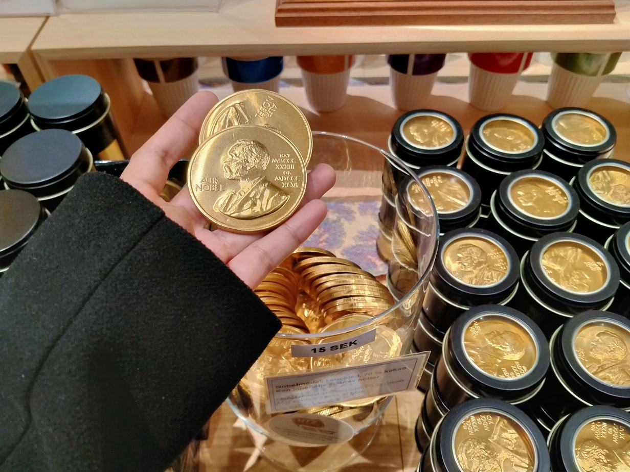 Coklat di Souvenir Shop di Nobel Prize Museum