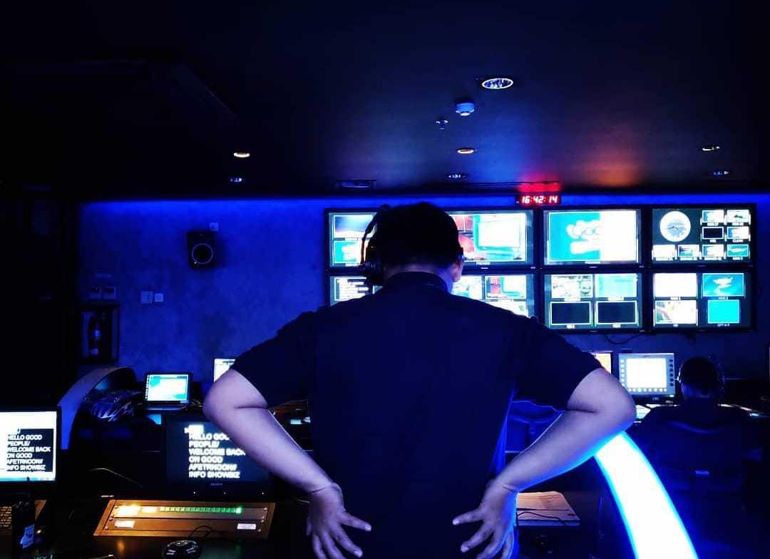 Foto terakhir di NET., stasiun televisi dimana saya berkarier sebagai jurnalis dan produser berita sebelum melanjutkan studi.